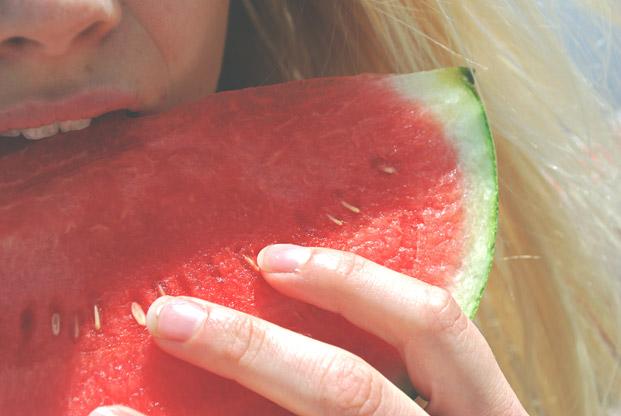 eating-summer-fruit