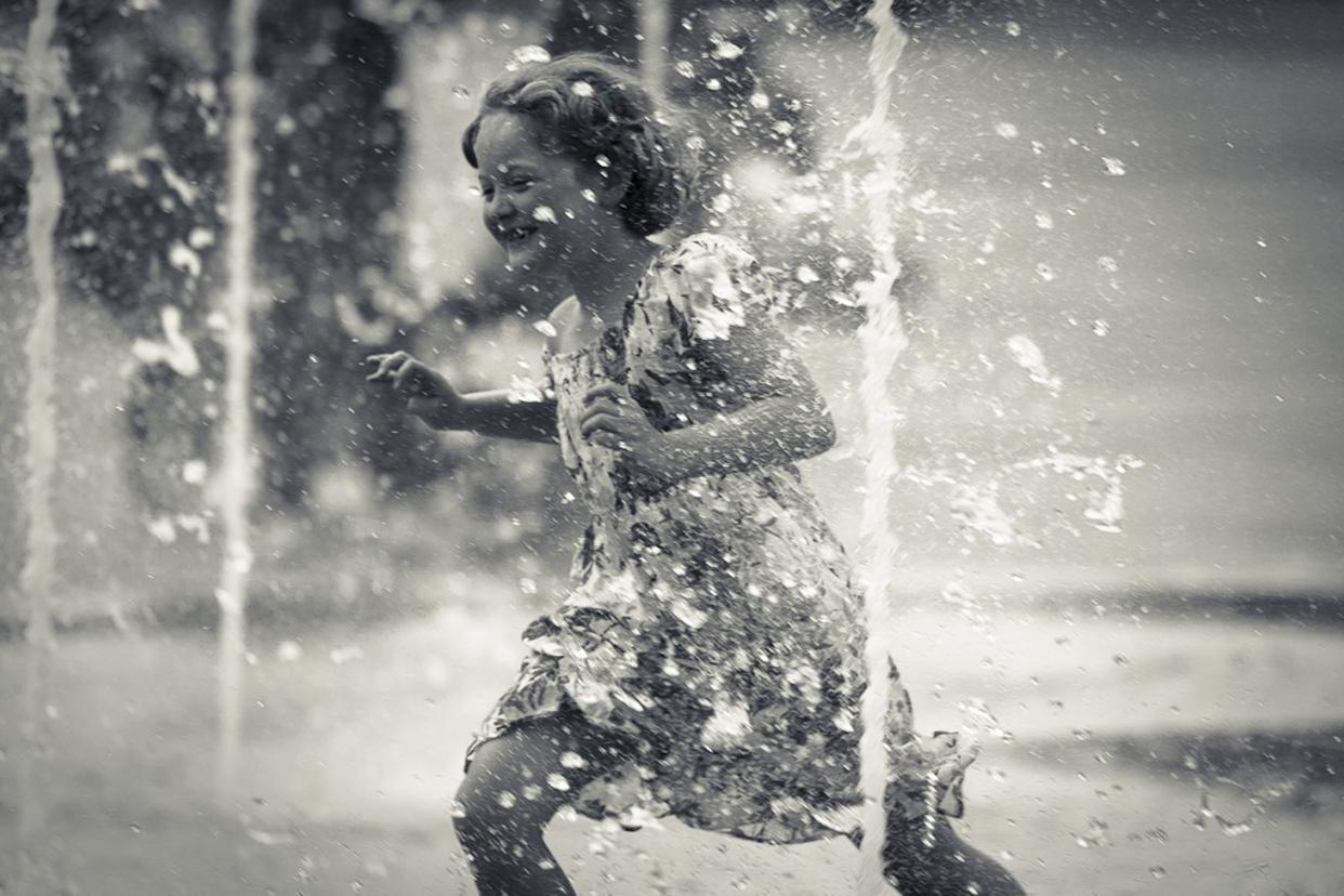 Girl-Water-Joy-Frederic-Mancosu