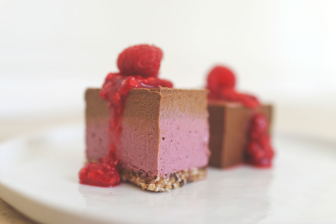 raspberry-chocolate-cream-bar-raw