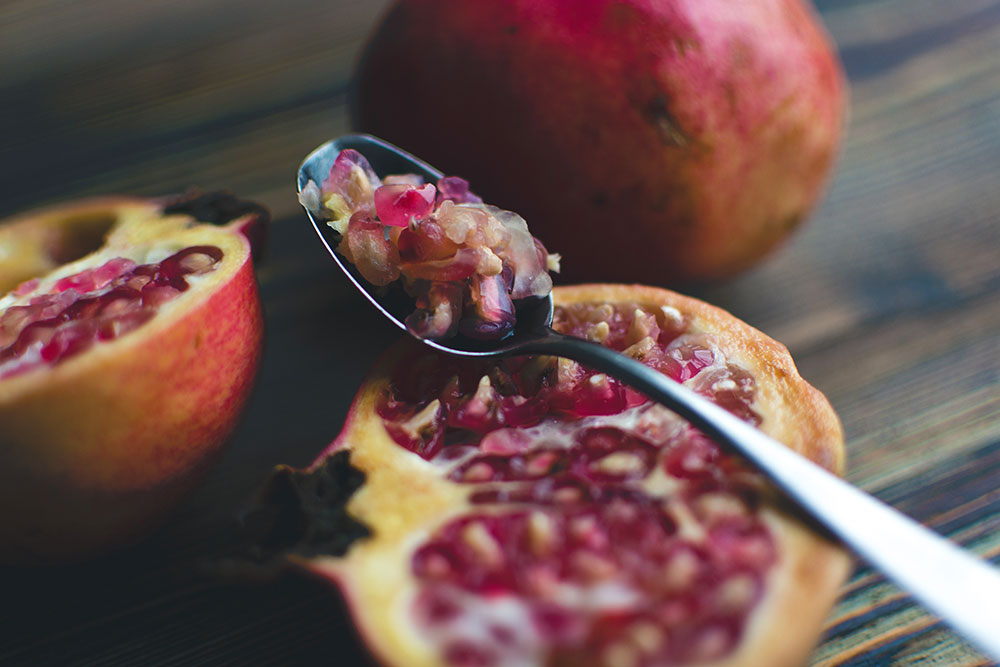 delicious-healthy-food-pomegranite