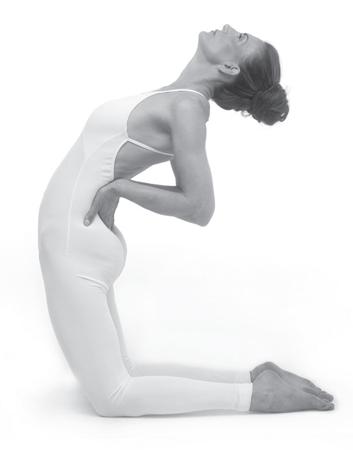 fifth-chakra-yoga-pose-camel-pose-position-2