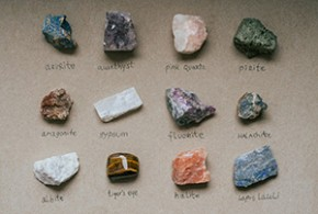 The Secrets of Crystal Healing: A Complete Guide to Supercharging the Mind, Body and Spirit with Sacred Stones and Minerals