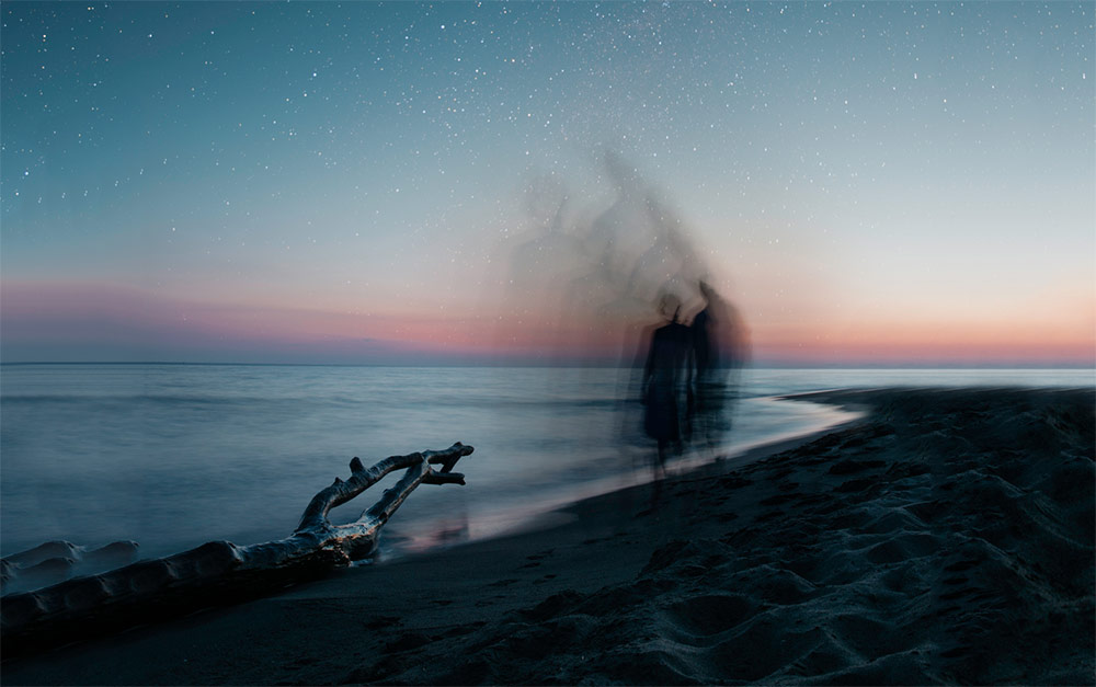 slowing-down-time-stop-night-beach-surreal